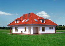 Простой загородный дом с большими и светлыми комнатами