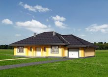 Просторный загородный особняк с четырьмя комнатами