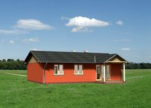 Красивая загородная усадьба с площадью менее 100 m² с открытой террасой