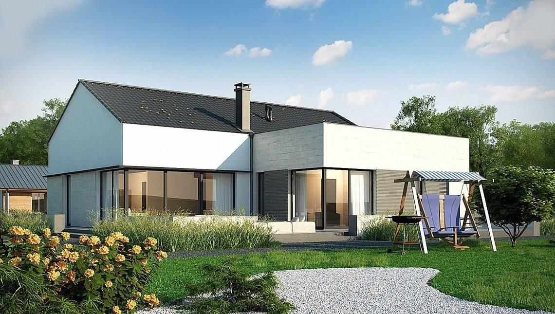 Одноэтажный дом с большими панорамными окнами