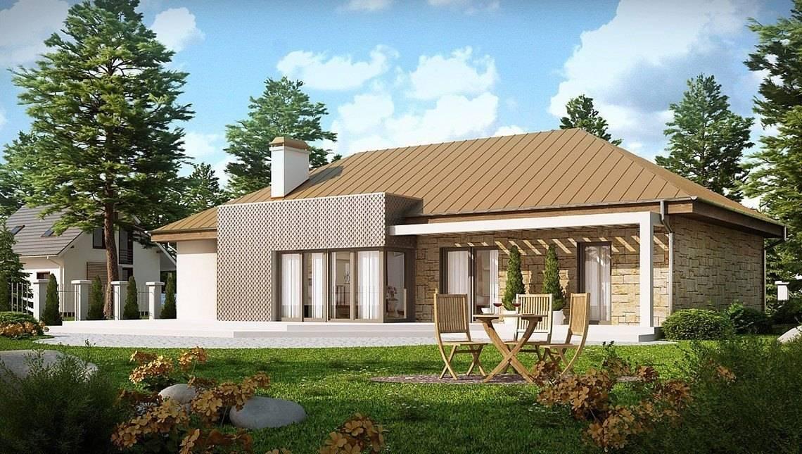 Одноэтажный дом с современными элементами на фасаде