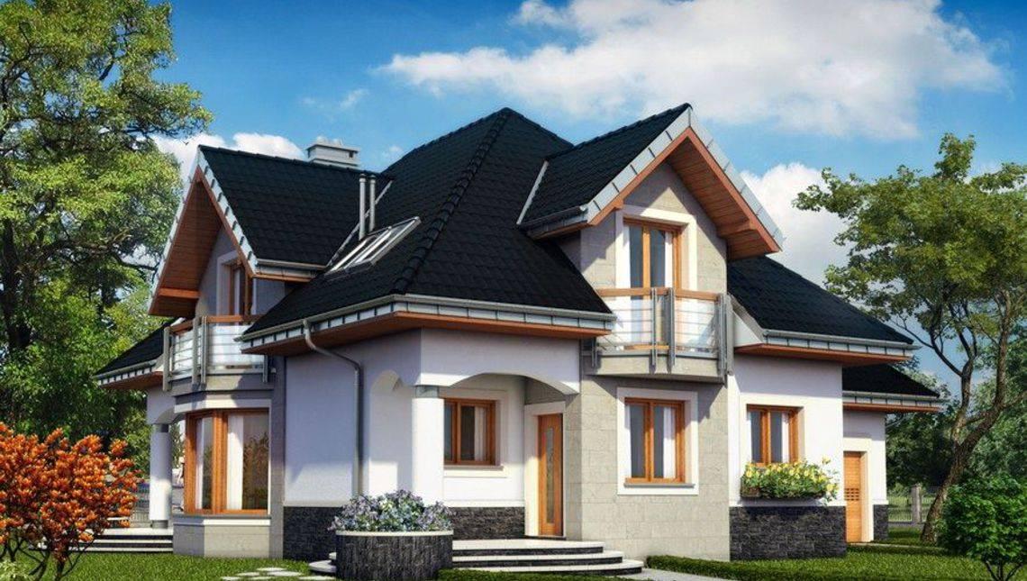 Красивый дом с балконами, эркерами и двумя небольшими террасами