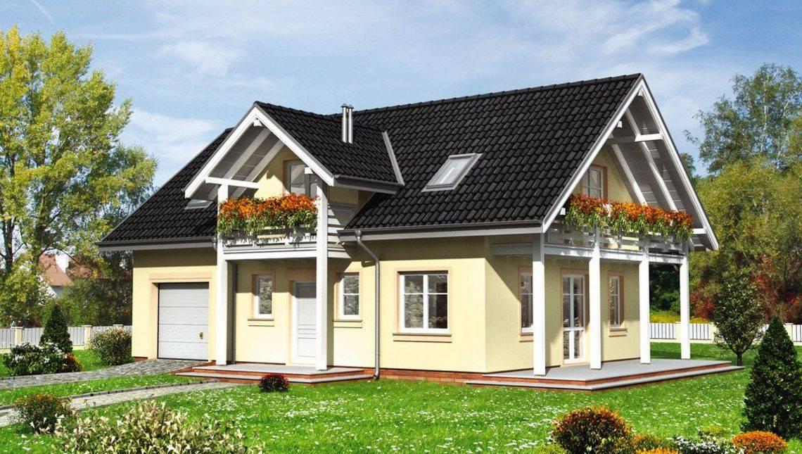 Двухэтажный дом с просторной верандой